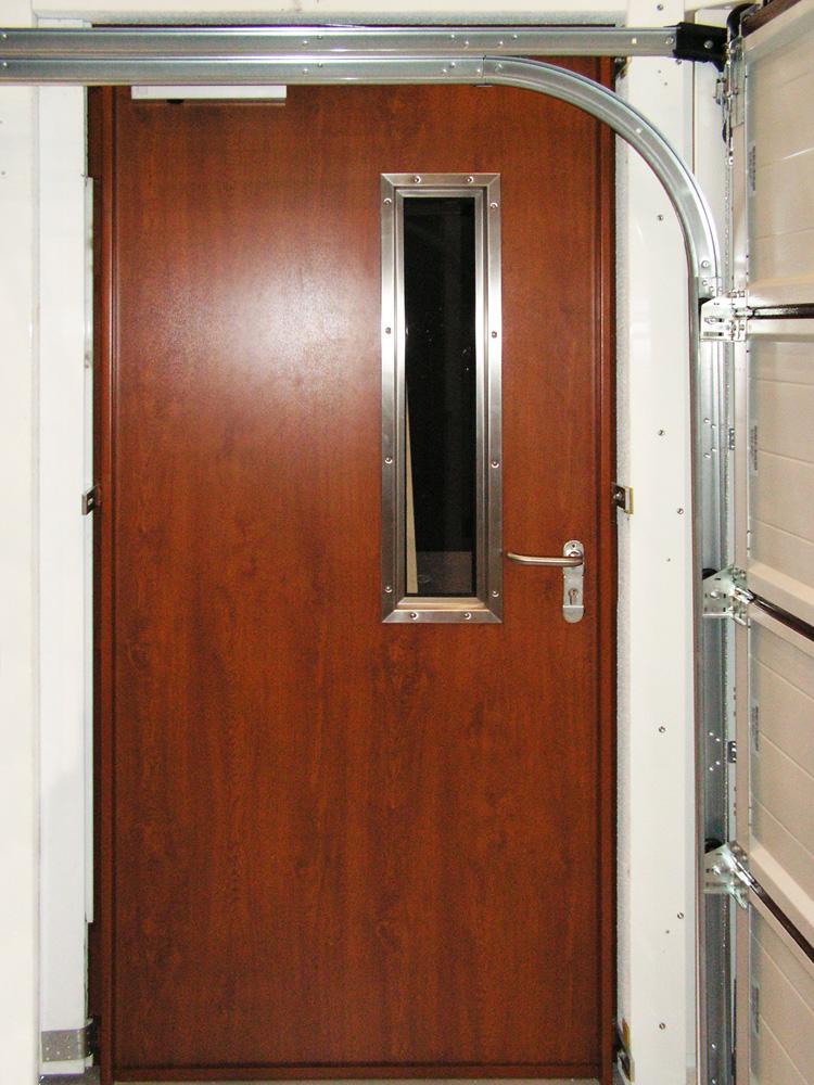 Противопожарная дверь HRUS-30 (вид изнутри)